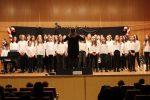 Presentadores, público villancicos y coro